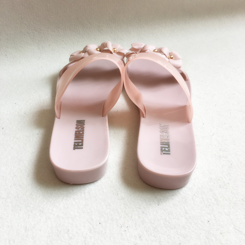 36a4ec1664afe Women Cute Transparent Crystal Jelly Sandals Cool Pink Lady Beach Flip  Flops Female Flower Casual Slippers Hot Sale 3 pairs-in Low Heels from Shoes  on ...