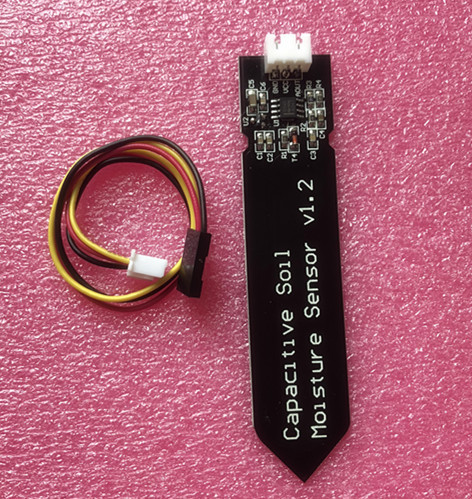Capacitive Analog Soil Moisture Sensor, 3.3~5.5V Corrosion Resistant with Gravity 3-Pin interface for Raspberry