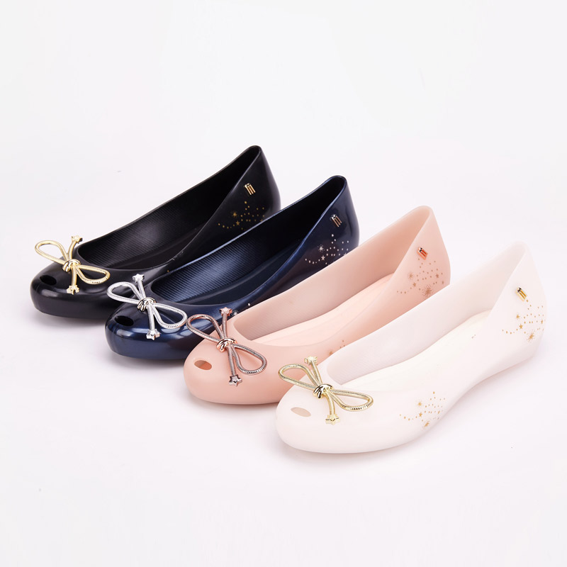 Melissa Shoes Women Jelly Sandals 2019 New Summer Shoes Women Casual Flat Fashion Bowtie Melissa Sandals For Women-in Low Heels from Shoes    1