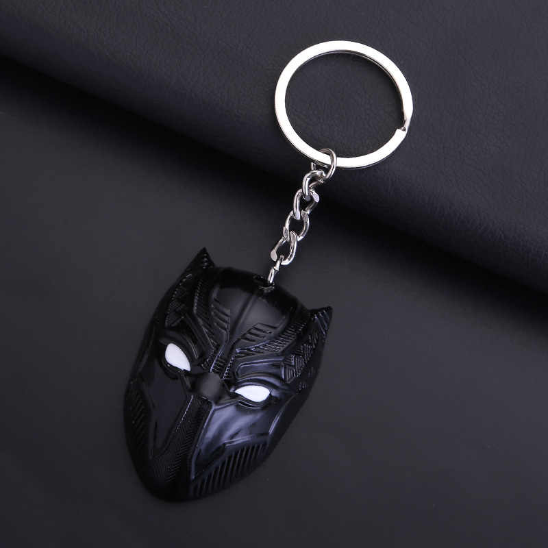 Anime กัปตันอเมริกาสงครามกลางเมือง Black Panther โลหะพวงกุญแจจี้ Marvel Avengers รถ Keyrings ผู้ถือรูปตุ๊กตาของเล่นตุ๊กตา