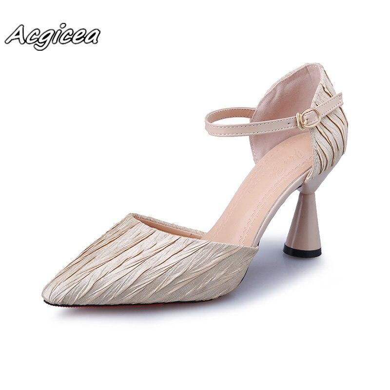 Primavera Verano tacones altos Zapatos de vestir de cuero plisado bombas hebilla Correa mujeres Zapatos vino tacón alto Zapatos mujer a113