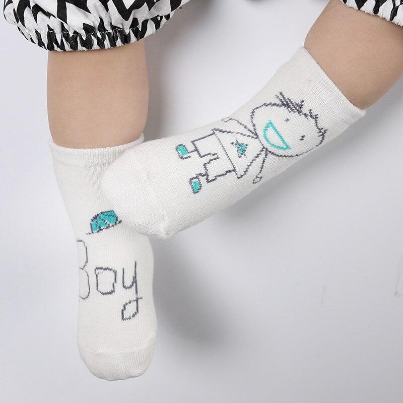 купить 2018 New Baby Socks Newborn Cotton Boys Girls Cute Toddler Asymmetry Anti-slip Socks For 1-2 Year Autumn Winter Funny Socks по цене 68.35 рублей