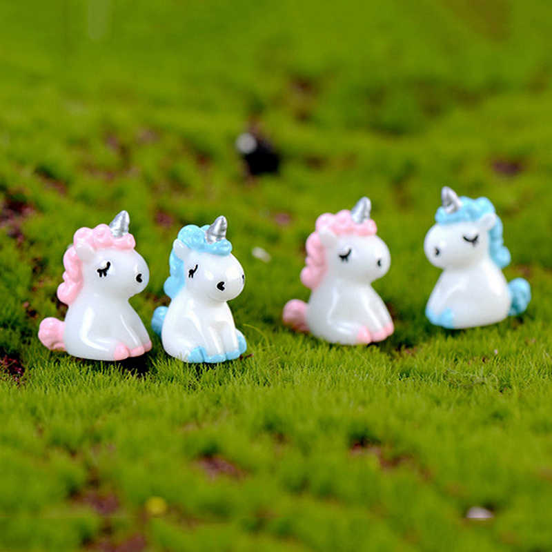 1set Amantes do PORCO DA SORTE Unicorn Natal Musgo Terrários Miniaturas Fairy Garden Gnome Estatuetas de Resina Artesanato de Decoração Para Casa