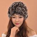 2016 Женщина Зима Теплая Мех Вязаная Шапка Для Девочек Шапочки Цветочные Cap Для Дам