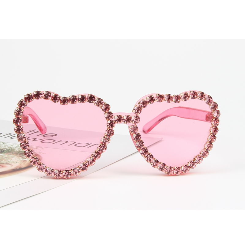 ccaff66f809 Aliexpress.com   Buy Heart Sunglasses for Ladies 2018 Hot Fashion Candy Pink  Sunglasses rhinestone Steampunk Goggles Alloy+Resin Small Sunglasses from  ...
