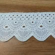 цена на wholesale 1000 yards 5cm width Embroidered Cotton Lace Fabric White Lace Cotton Fabric for clothing edge Sewing lace