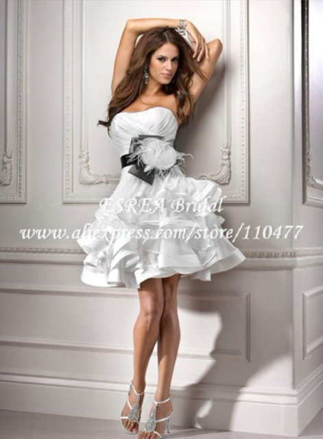 Fashion Strapless Satin Feathers Casual Short Wedding Dresses Black Sash Ruched Wedding Gown Low Back MH773