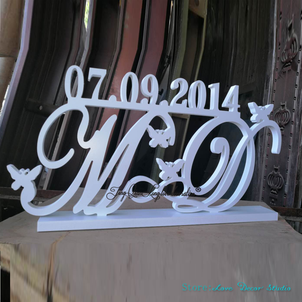Last Name Save the date Custom Set Mr and Mrs Last name Sign Table Decor Mr
