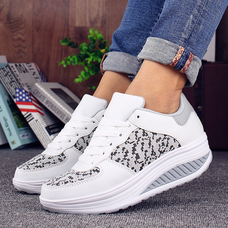 VTOTA Women Casual Shoes Platform White Sneakers Designer Shoes Wedge Sneakers Casual Shoes Women Basket Femme Sneakers Women