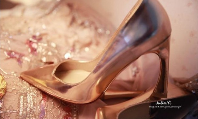 Curved tip with coarse gold wedding shoes with high heels leather shoes 13yards