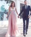 Elegante rosa largo vestidos de noche 2017 apliques de encaje mujeres pageant vestido cuello en v con cuentas gasa formal prom party vestido festa