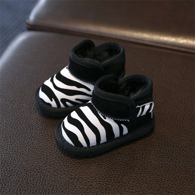 Warm Plush Inside Anti-slip Thermal Baby Shoes Baby Boots Newborn Shoes Soft Infants Shoes Sneakers