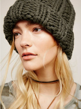 Womens Knitted Hat New European Winter Warm Pure Coarse Wool  Hip-Hop Skullies Beanie Fashion lovers hat