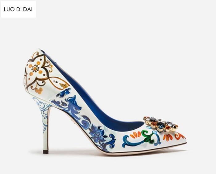 2019 Новое Женское винтажное платье Обувь на высоком каблуке вечерняя Обувь на тонком каблуке с цветочным узором насосы для печати, модельные туфли с острым носком обувь смешанных цветов женские туфли лодочки свадебные туфли