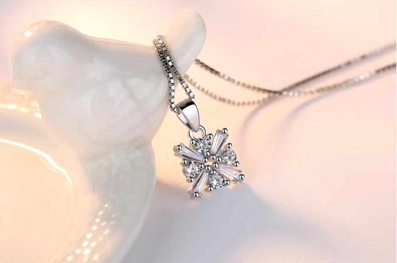 Wholesale 925 Sterling Silver Windmill Cristal Pendentifs Colliers Nice