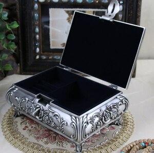 Image 5 - Boyut L Vintage Mücevher Kutusu moda takı Kutusu Çinko alaşımlı Metal biblo kutusu Oyma Çiçek Gül Kare Şekilli