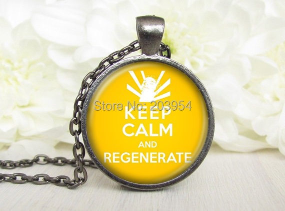 Steampunk Movie Doctor Who Yellow Keep Calm And Regenerate Dr Who Necklace 1pcs/lot Bronze Or Steel Glass Pendant Mens Jewelry image