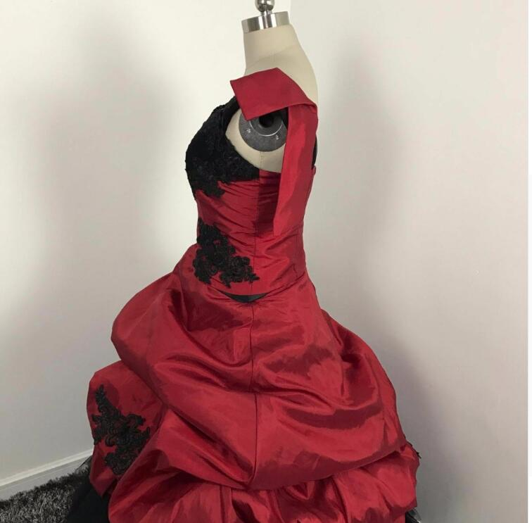 Gothic 2018 Red And Black Wedding Dresses Robe De Mariage New Puffy Unique One Shoulder Victorian Brides Ball Gowns In From
