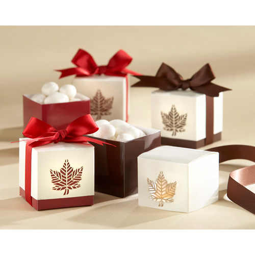 "New Arrival Fast Delivery Factory Directly Sale Wedding Favor-""maple Leaf"" Favor Box Wholesale"