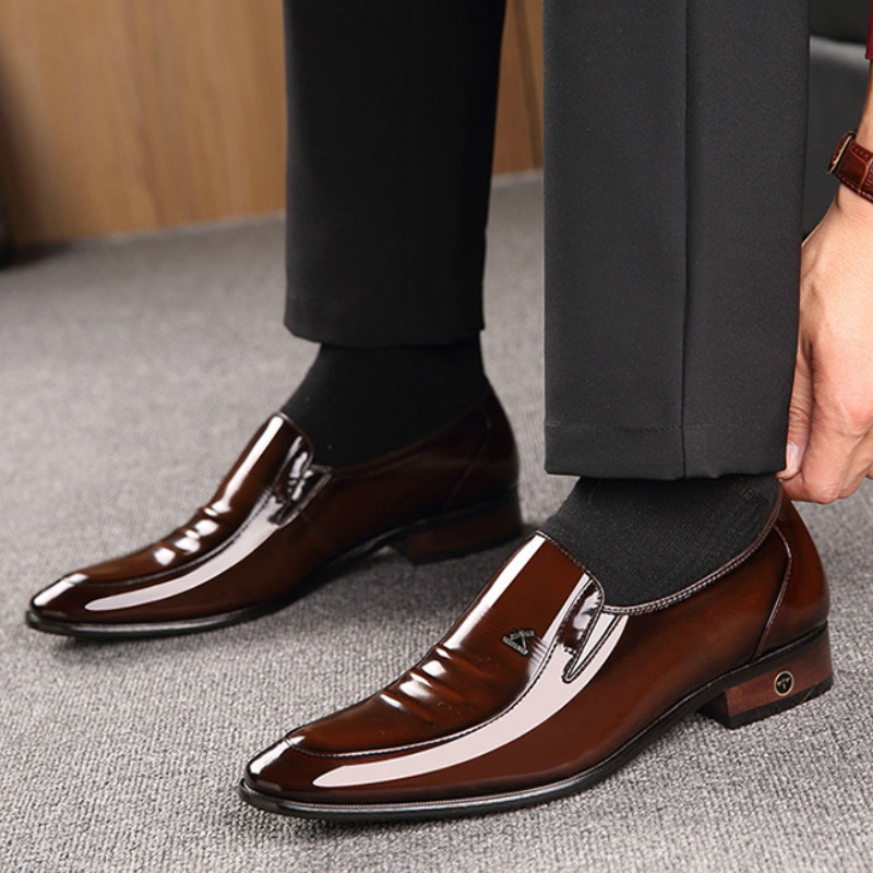 Leather men 39 s shoes British business suit men 39 s shoes Genuine Leather wedding shoes men dress shoes for men in Formal Shoes from Shoes