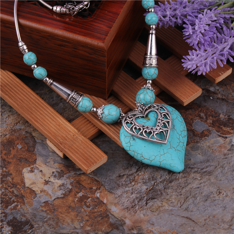 2016 Bohemian Ethnic Gypsy Vintage Jewelry Big Turquoise Stone Heart Pendants Necklaces Tibetan Silver Chain Necklaces For Women
