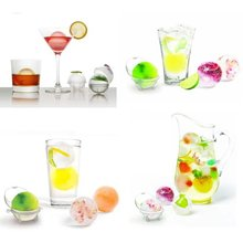Best selling YKS-T9 4Pcs Party Bar Plastic Cute Ice Cube Ball Tray Round Maker Mould