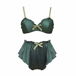 Image 3 - ผู้หญิงเซ็กซี่ bralette กางเกงชุดนอนชุด Wireless ชุดชั้นในสุภาพสตรีชุดชั้นในแฟชั่นสามเหลี่ยมบาง Pad intimates