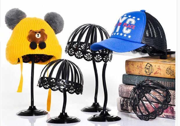 حار بيع متعددة الوظائف الاطفال البلاستيك قبعة قبعات تخزين حامل رف صالون الممارسة المحمولة شعر مستعار عرض موقف للطفل