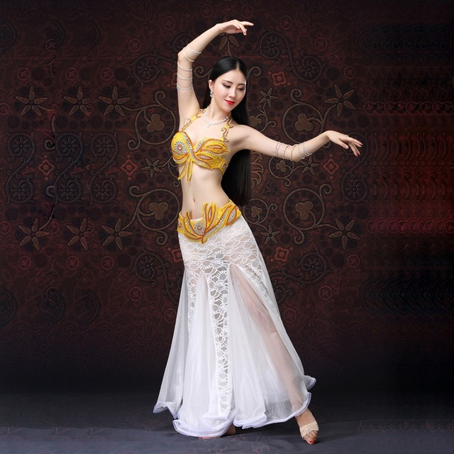 33c3301c3af36 Stage Performance 2018 Belly Dancing Clothes Oriental Dance Outfits Sexy  Lace Belly Dance Beaded Costume Set