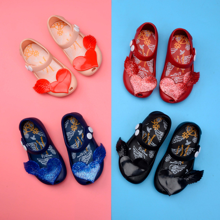 Summer 2018 girl sandal princess shoes anti-skid Melissa wing loving heart plastic jelly shoes ...