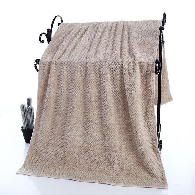 솔리드 컬러 목욕 타올 70x140 cm 산호 양털 타월 고품질의 욕실 교수형 목욕 타월 부드럽고 편안한 가정 선물
