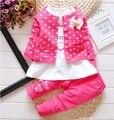 Nova Dot Conjunto Arco bebê da menina outfits Conjuntos de roupas crianças 3 PCS coat + T shirt + Calças crianças Bonito Princesa Coração-em forma de Impressão 1-4 T