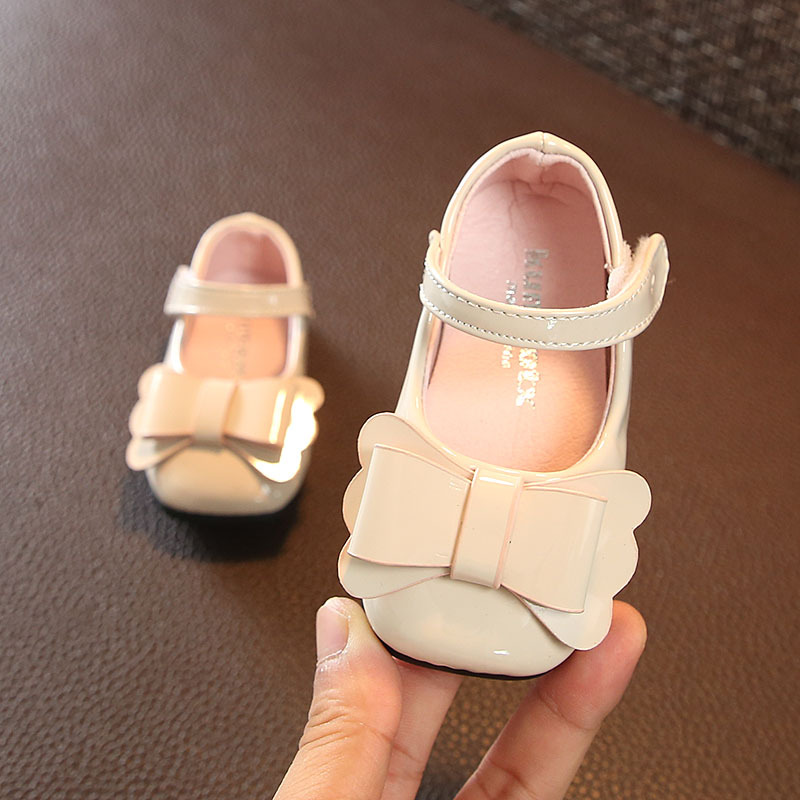 9f5d0c3ba8 Petit Dream Fashion Kids Baby Girls Newborn Shoes Red Black Beige PU  Leather First Walkers Boots Cute Non-slip Baby Girls Shoes