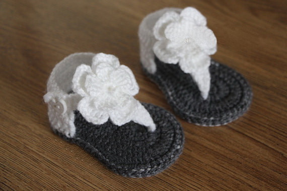 dd2f91fd01382 US $7.4 |Newborn Children Knitted Hand Knitting Baby Shoes 22 CUTE GIRLS  CROCHET Shoes Soft Summer Sandals Baby Girl gladiator sandals-in Sandals &  ...