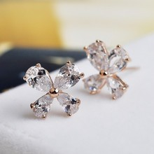 USTAR Love Flower AAA Austrian Crystal Stud Earrings for women fashion Jewelry  Gold color Brincos ouro Boucles Bijoux women