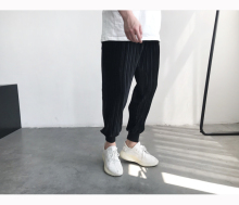 Spring and summer Korean version of the three-dimensional pleated velvet casual pants beam pants black boys Harlan nine points