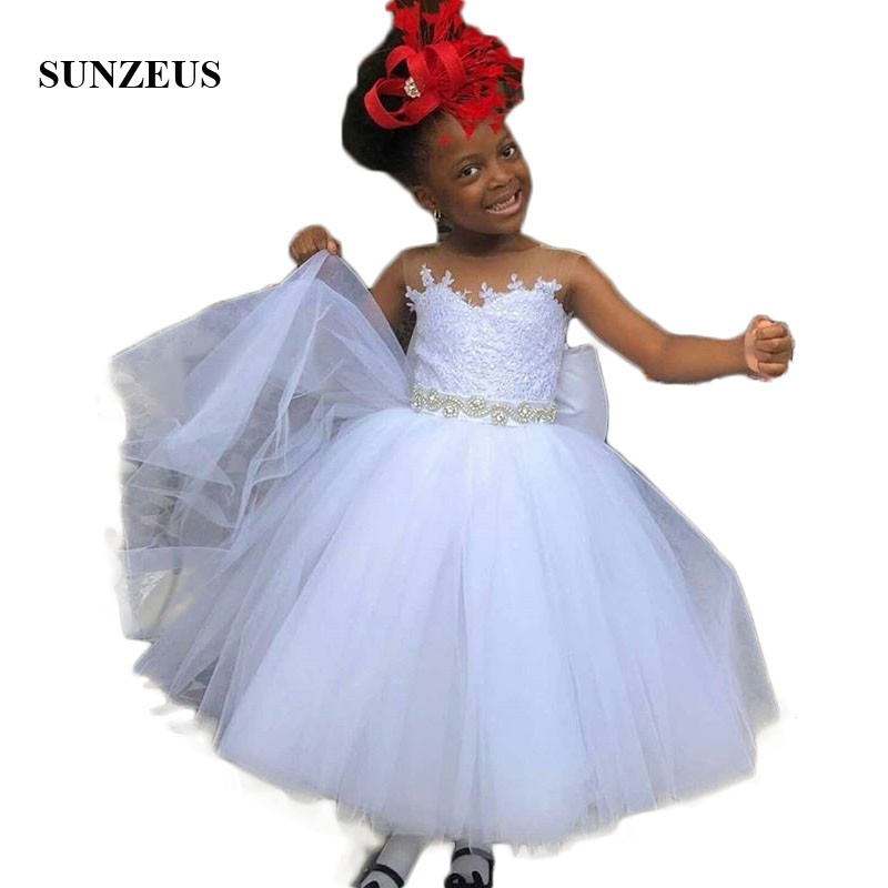 Robe de bal bouffante robes de filles de fleur en Tulle blanc Appliques perlée taille débardeur arrière arc belle robe de mariage enfant Communion SF57