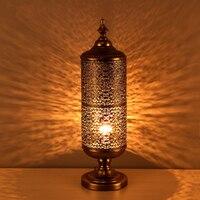 청동 테이블 램프 창조적 인 성격 복고풍 조명 침실 책상 램프 거실 다이 캐스팅 레이스 테이블 램프