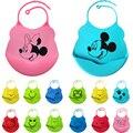 18 colores nuevo diseño baberos de Bebé de silicona resistente al agua de alimentación toalla de la saliva del bebé recién nacido de dibujos animados delantales impermeables Baberos de Bebé