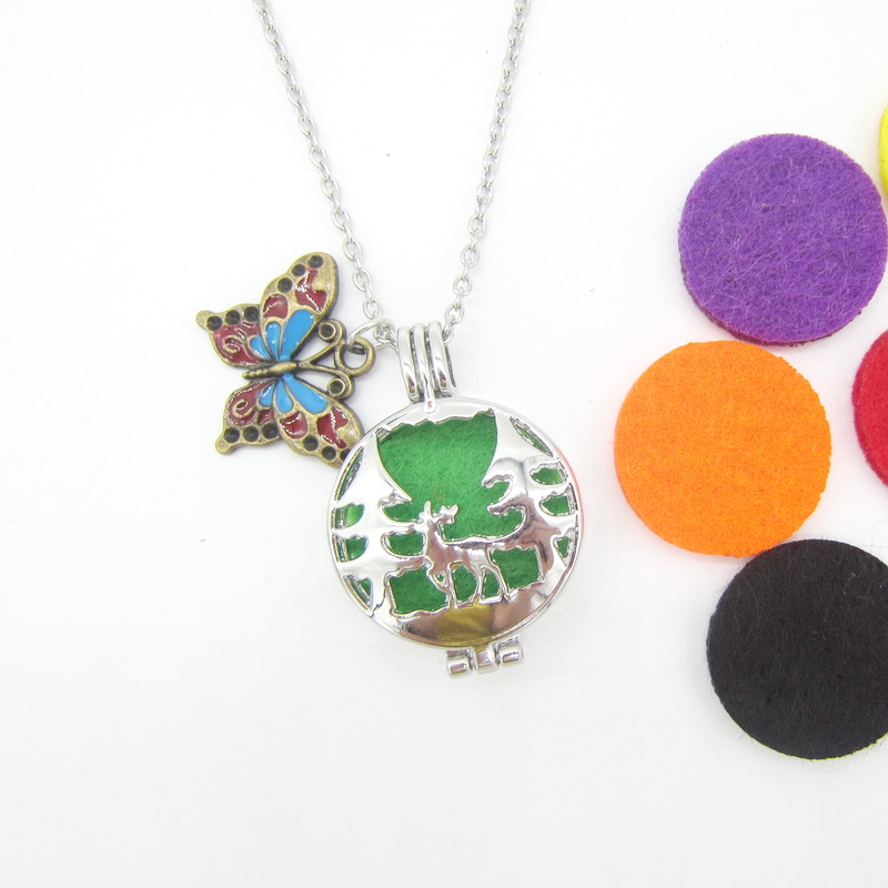New Selling Pretty Butterfly and Reindeer Animal Pendant DIY Locket Felt Pad Oil Diffuser Necklace Christmas Gift