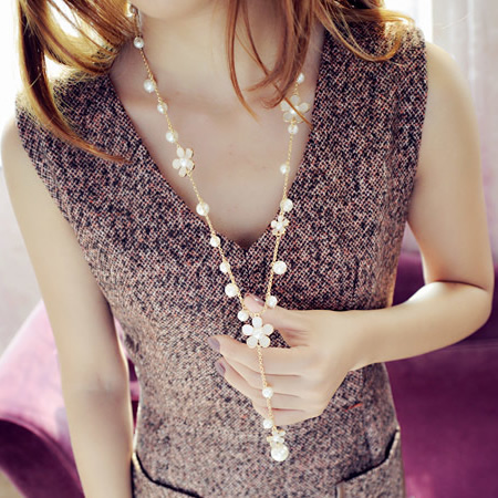 Fashion necklace long necklace design romantic small flower pearl tassel necklace female accessories necklace