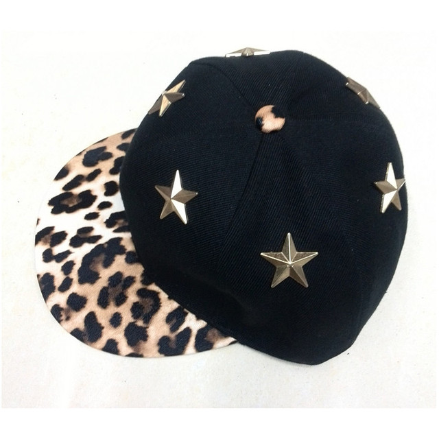 2017 new arrivel black star leopard print  leather brim snapback with metal star hats adjustable cool hats for men women