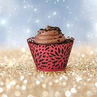 120 stks/partij Hollow Ontwerp Cake Cupcake Papier Wrapper Bruiloft Party Feest Sweetmeat Laser Cut Omliggende Rand wc560