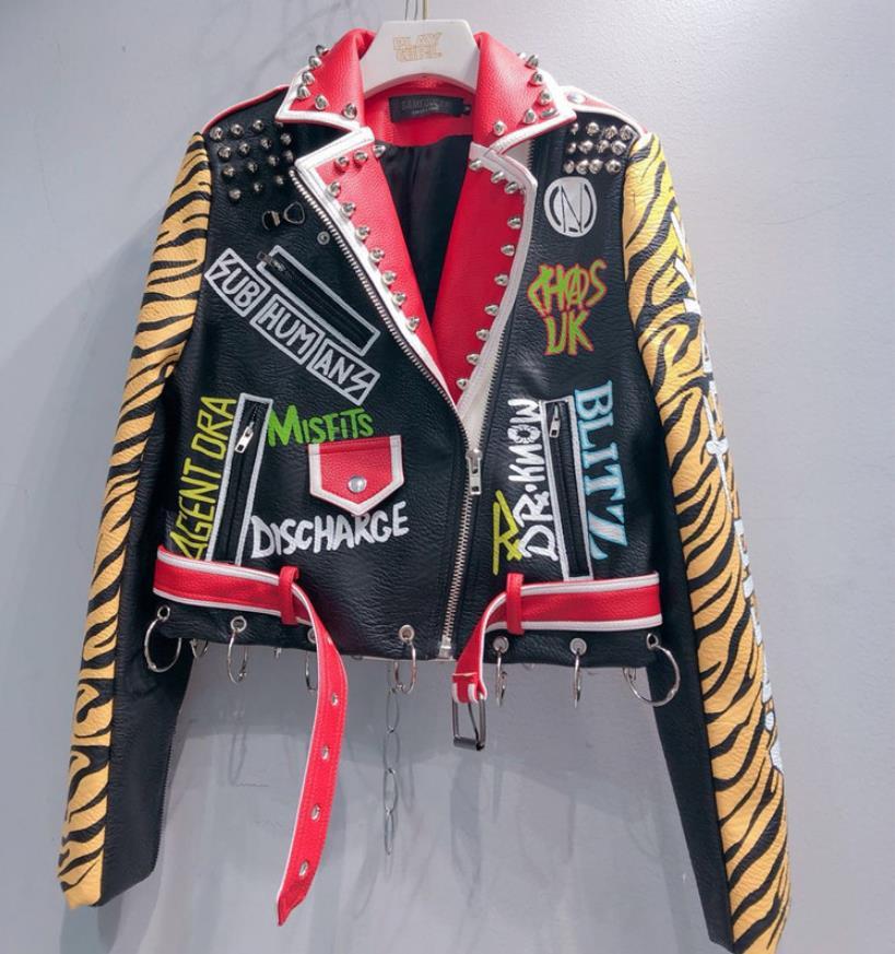 Новинка 2019 года; сезон весна; модная брендовая короткая куртка в тайском стиле с заклепками и вышитым бисером граффити из искусственной кожи с рисунком локомотива; wq845