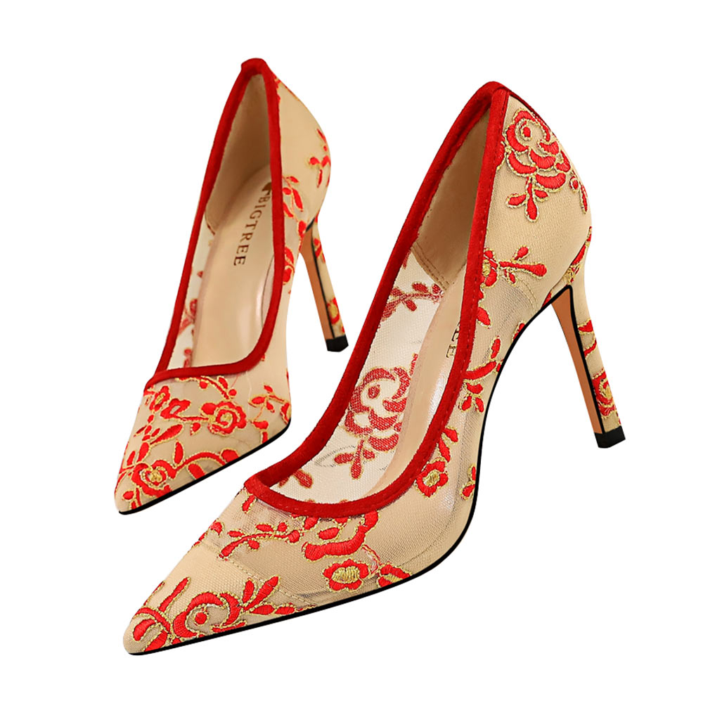 Flowers Embroidered High Heels Ethnic Stiletto High Heel Shallow Pointed Shoes
