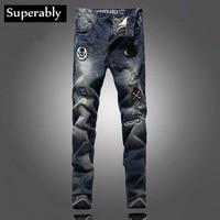 Fashion Street Men Jeans Badges Decoration High Quality Blue Color Denim Destroyed Ripped Jeans For Men Brand Biker Jeans Pants