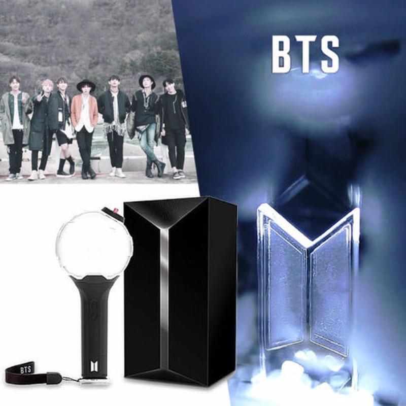 2018 nueva Kpop palo de luz BTS Ver.3 ejército bomba Bangtan niños concierto brillo lámpara Lightstick V Fans regalo luminosa Juguetes con 7 tarjetas
