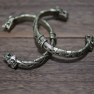 Image 2 - Langhong 10pcs norse viking pulseira e pulseira cabeça de lobo para homem e mulher talismã jóias