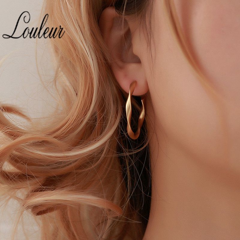 2019 Geometric Twisted Circle Stud Earrings For Women Gold Silver Color Vintage Big Hollow Matte Earrings Fashion Jewelry