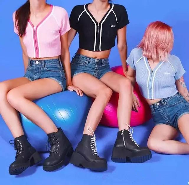 2016 UNIF Zip Frente Parágrafo Curto Camisetas De Malha de Verão Sexy Com Decote Em V Magro Cropped Cardigan Camisola Curta-manga comprida t-shirt Tops